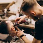 Guía para convertirte en un barbero con licencia en Tennessee