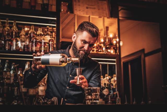 Pasos para obtener la licencia para vender licor en Tennessee